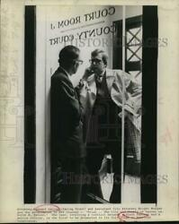 Press Photo Leonard Davies And Wright Morgan In Trial On Pbs Television