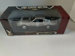 1968 Shelby Gt-500kr Road Signature 118 Scale Die-cast Deluxe Edition Yat Ming