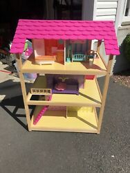 Kidkraft So Chic Dollhouse With Accessories