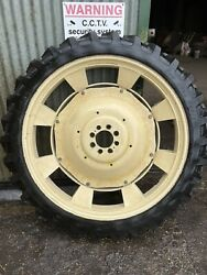Set Of 4 Tractor Row Crop Wheels Same Silver Centres Alliance A350 9.5 R48