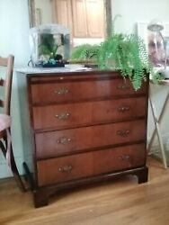 Antique Mahogany Bachelors Chest Of Drawers With Writing Leaflet - Beautiful.