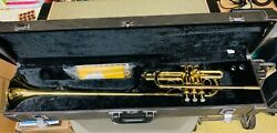 Yamaha Herald Fanfare Trumpet Model Ytr2330ff Gold Lacquer