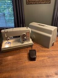Vintage Sears Kenmore Sewing Machine Model 158 17550 Green With Carrying Case