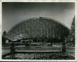 1961 Press Photo RS Reynolds Memorial award to St Louis for Climatron building $19.99