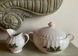 Scio Japan Holly Berries Christmas Covered Casserole Dish Creamer