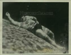 1939 Press Photo Lifebelt Expands Once Button Pushed Brings Bather To Surface