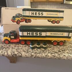 1977 Hess Gasoline Fuel Oil Truck 18 Wheeler And Original Box Collector/display