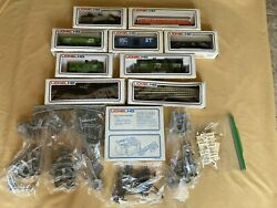 Vintage 1976 Lionel Ho Full Train Set With 7 Cars ,power Pack ,tracks And More
