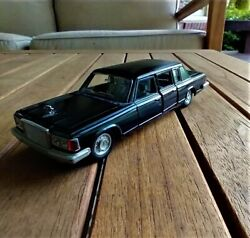 Ussr Soviet Zil 115 Diecast 143 Limo - Free Priority Shipping Within The Usa