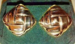 14kt Basket Weave Button Style Yellow Gold Earring