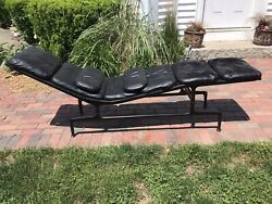 1970's Vintage Herman Miller Chaise Lounge By Charles Eames