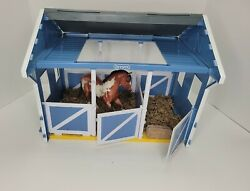 Breyer Classics Country Horse Stable Barn 3 Stalls Disassembled W One Horse.