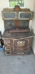 Antique The Great Majestic 647 Wood Burning Stove By Harper And Reynolds Co.