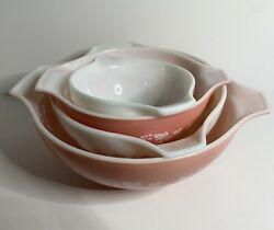 Vintage Pyrex Gooseberry Pink And White Cinderella Nesting Mixing Bowls Set Of 4🍰