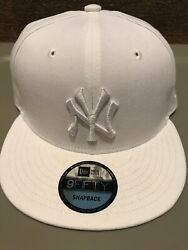 New York Yankees White Pearl Snapback Hat. Brand New. One Size Fits All. New Era