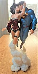 Rare Dc Comics The New 52 Superman And Wonder Woman The Kiss S13 Statue Repaired