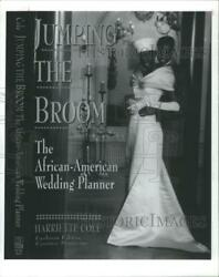 1993 Press Photo Harriette Cole Author Jumping Broom African-american Wedding