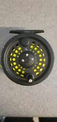 Scientific Anglers System 2 Fly Reel 78 + Good 8wt Floater V G Condition