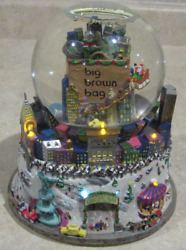 Bloomingdale's Big Brown Bag Nyc Musical Snow Globe With Lights Twin Towers Park