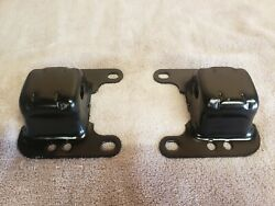 1968-72 Gm A-body Chevelle V8 Big And Small Block Engine Motor Mount Brackets Oem