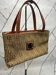 dooney and bourke small purse $28.00