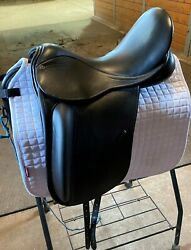 2018 County Perfection Saddle 17andrdquo Wide Hardly Used. Black Bull