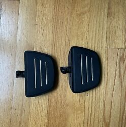 Foot Pegs Pedal Rest For 1986-2019 Harley Davidson Motorcycles Black Used