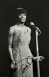 Dionne Warwick Signed/autographed 6x4 Photograph