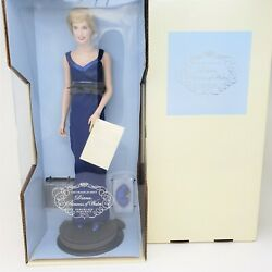 The Franklin Mint Diana Princess Of Wales Porcelain Portrait Doll And Display Case