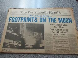 VINTAGE JULY 21 1969 THE POSTSMOUTH HERALD FOOTPRINTS ON THE MOON NEWSPAPER
