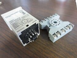 Omron H3ca-a Timer Relay W/ Potter And Brumfield Base 27e892