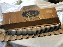 Nos 1970 Domy 8200-a Front Grille Ford Mercury