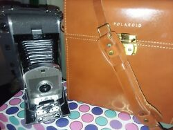 VINTAGE Polaroid Land Camera 800-Model 150 with Leather Case & accessories! MINT