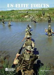 Us Elite Forces Uniforms, Equipment And Personal Items. Vietnam 1965-1975 New