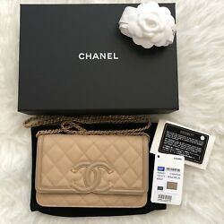 NWT 18P A84451 Chanel Beige Caviar CC Filigree Wallet On Chain WOC