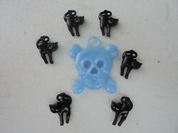 Vintage Style Halloween Charms-Plastic-Gum Ball--Skull-Blue Black Cats-7 charms