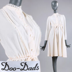 L Vintage 1970s Ivory Long Sleeve Lace Collar Modest Fit & Flare Airy Belted 70s