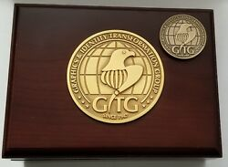 Lot 2 Cia Dsandt Office Of Technical Service Chief Of Disguise Wooden Box And Coin