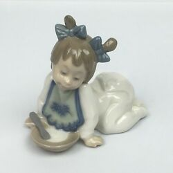 Nao Figurines By Lladro 01076 Baby Girl With Dish And Spoon