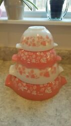 Set of 4 Pyrex Cinderella Mixing Bowls Pink Gooseberry Vintage Nice Condition!