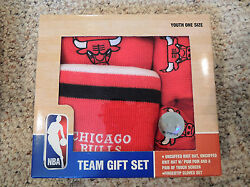 NBA Chicago Bulls Youth Boys Team Gift Seat 2 Hats Touch Screen Gloves Set $24.99