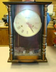 Vintage Linden 31 Day Wall Hanging Clock Key Wind With Key - Working 8052