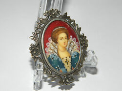 Antique Victorian Fine Micro Painting Brooch / Pendant Queen Portray 1850s