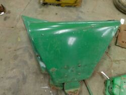 Jd 2 Cyl Tractor Pair Of Fenders W/ Lights One Hand Grip And Brackets Tag 357