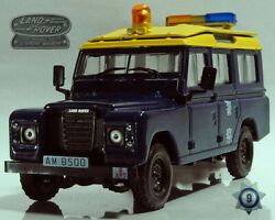 Set Of 2 Collectible Cars Land Rover And Gaz-69 1/43 Scale Collectible Models