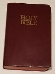 Holy Bible Niv Red Cover Zondervan New International Version With Helps
