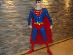 LIFE SIZE SUPERMAN ACTION HEROFIGURE STATUE.
