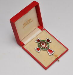 Austria Red Cross Decoration for officers box war wreath pinback