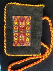 Vintage Native American Indian Woman Seed Beaded And Leather Coin Purse White
