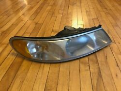 1998 2000 2002 98-02 CONTINENTAL RIGHT HEADLIGHT HAS WEAR OEM USED PASS. SIDE